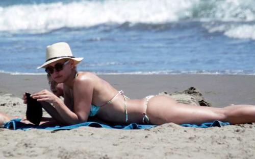 Valeria Mazza, che forma a 41 anni: sexy in bikini a Marbella